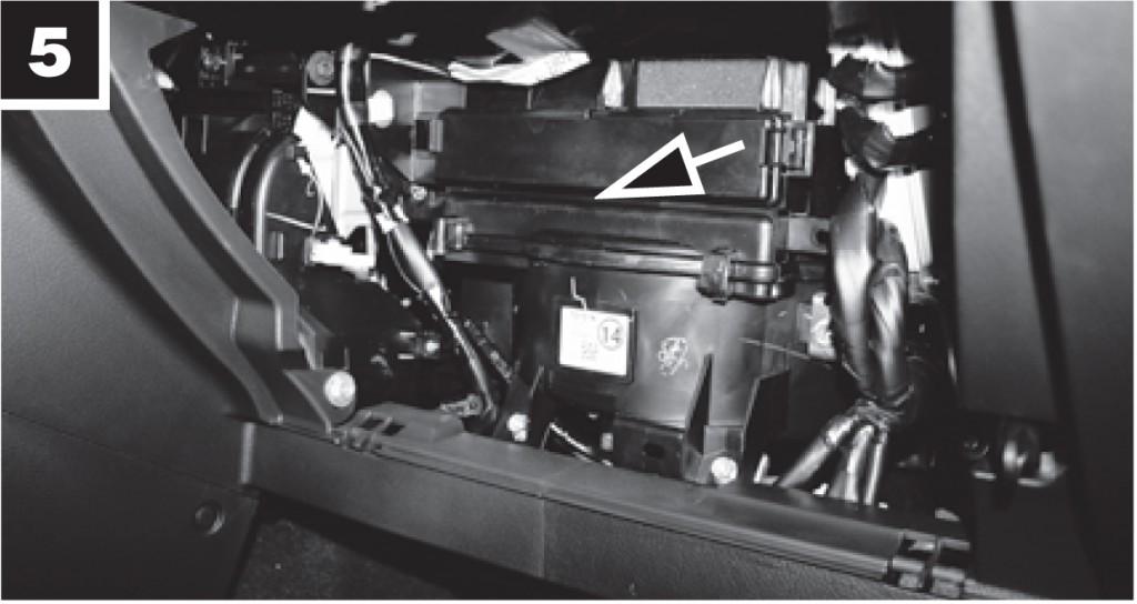смяна филтър вътрешно пространство тойота корола
